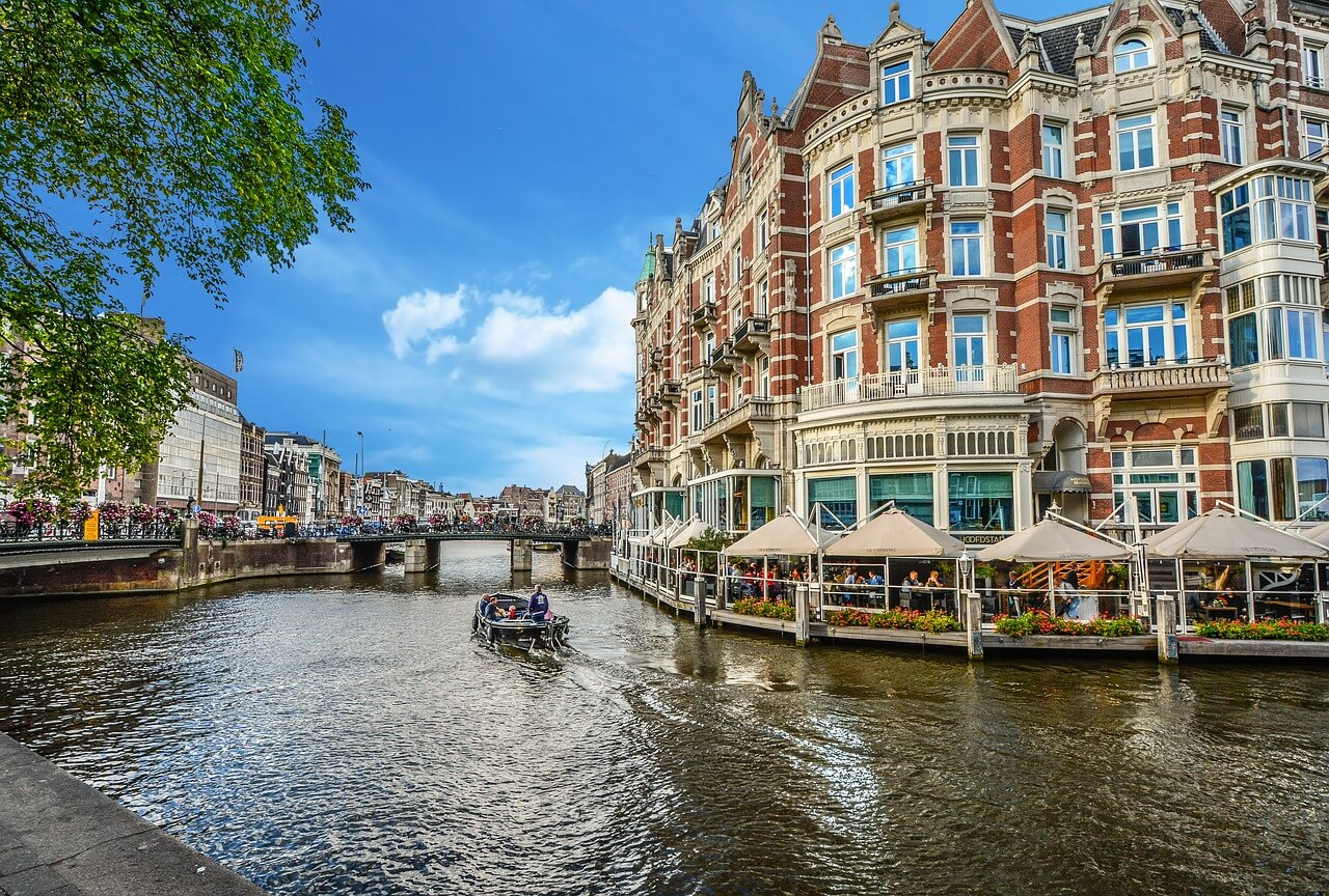 Paket nach Holland