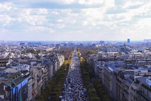 Lokale Versandunternehmen sollen laut der Pariser Stadtverwaltung nicht von Amazon ausgegrenzt werden.
