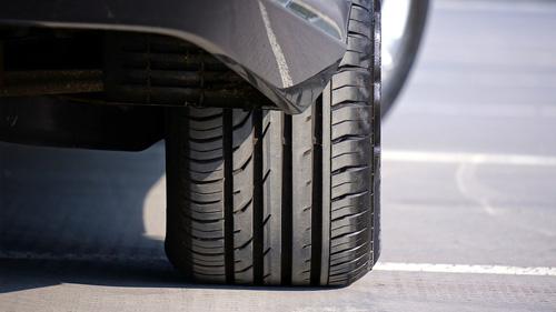 Reifenversand mit Transglobal Express: Reifen versenden supergünstig und schnell mit einem DHL Reifenversand zum Beispiel. Jetzt buchen und Reifen verschicken!
